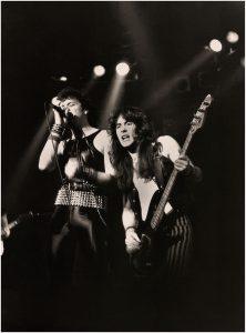 800px-IRON_MAIDEN_-_Manchester_Apollo_-_1980